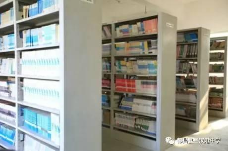 三叉港图书馆现状,你的孩子有书可以读么