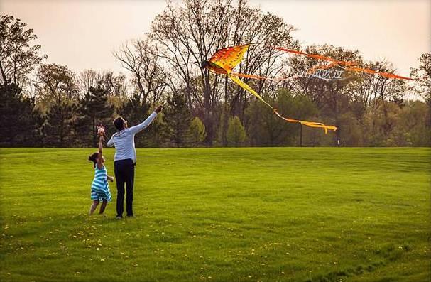 春暖花开放风筝,注意这把 隐形刀图片