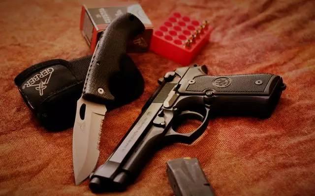 人肉�y���c!LH9k�9�m9�b_用文字来解说伯莱塔m9手枪显得太苍白无力,静静的看美