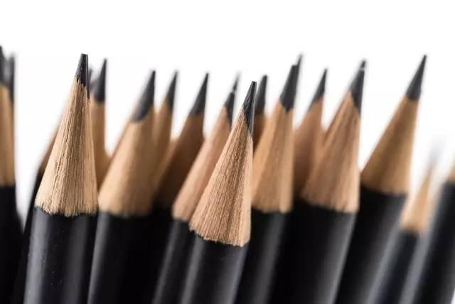 为什么小学生被禁止使用自动铅笔