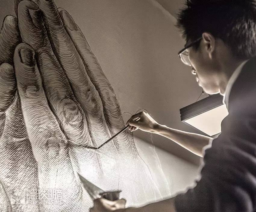[祈祷之手] 围观一位画师用三天时间画出一双手