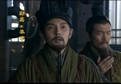刘备依附曹操时,曹操为何不杀刘备?或搞暗杀?