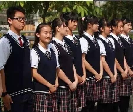 意思是说: 之前在增城读书 我们总羡慕很多在广州市区学校的校服 他们图片