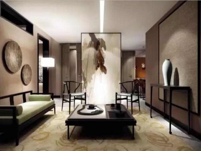 复式楼,木质楼梯,木纹镂空雕刻的沙发墙,门楣似的电视背景墙都极