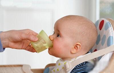 当宝宝出现这些症状时,当心小儿支气管炎
