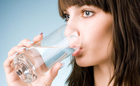 月经期间喝水减肥法图片