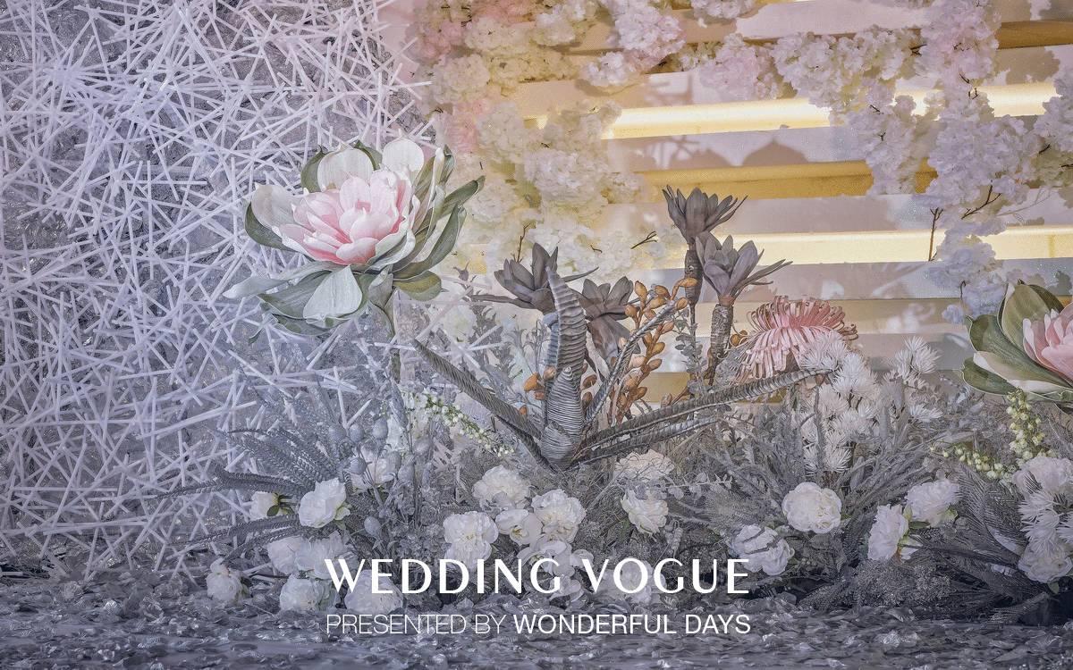 设计也是在重复主题【叠】,而本次婚礼秀设计的四个桌花和一个长