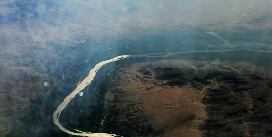 一部闭着眼睛就看的影片《尼罗河上的》,上译配音太美了