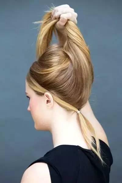 24种扎头发的方法,今天学一款,明天美一点!