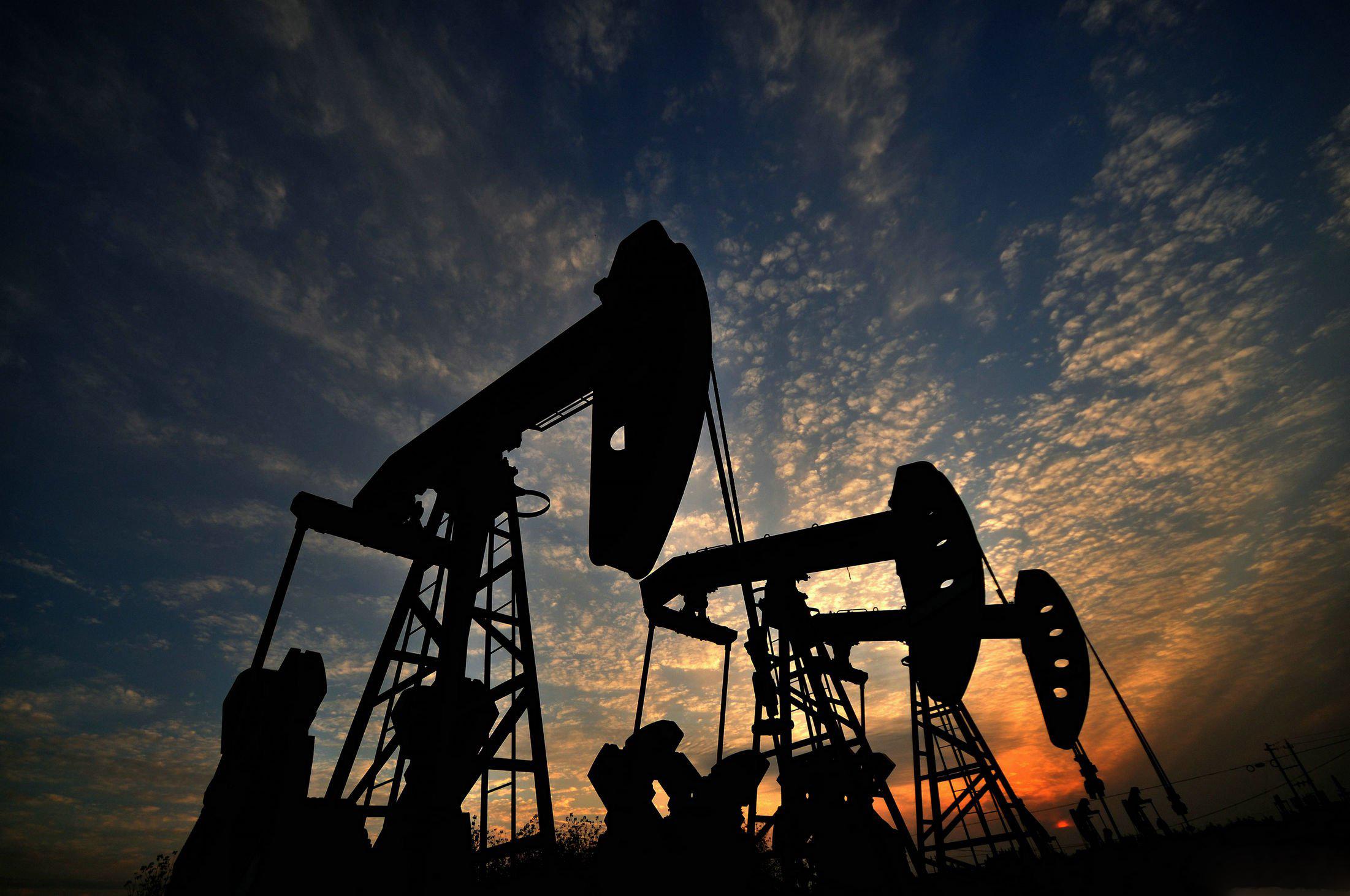 油价最新走势 原油近期大幅波动 国际油价今年可能走 l 型