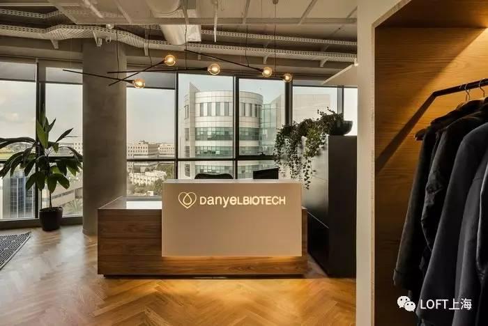 以色列生物科技公司工业风格办公室设计