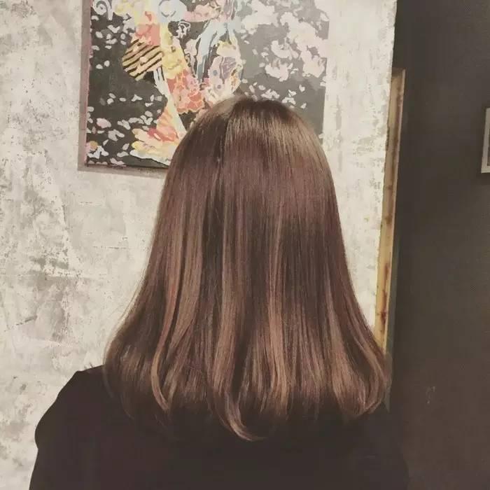 想电卷发,又担心发质变差,或者发质容易蓬松的仙女,报姐建议只电发尾图片
