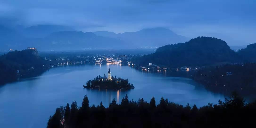 大略湖,到美国瓦尔登湖,从意大利科莫湖到德国博登湖,对望城市繁