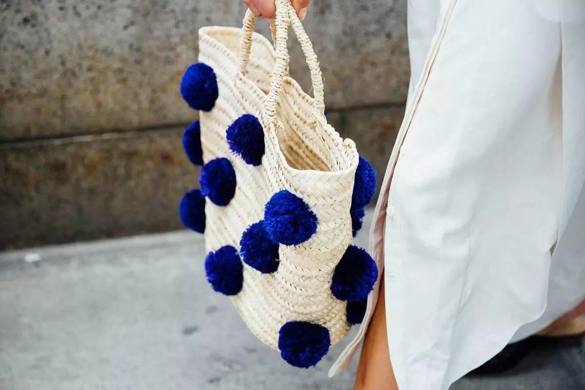 最火的包_流行 说出来你可能不信,最近时尚圈掀起了菜篮子风