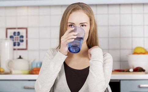月经期间喝水减肥方法大全图片