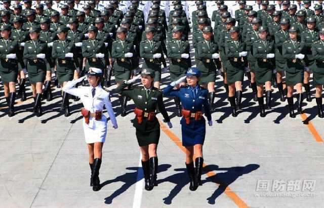 阅兵仪式_从历次阅兵仪式上,感受祖国越来越繁荣昌盛