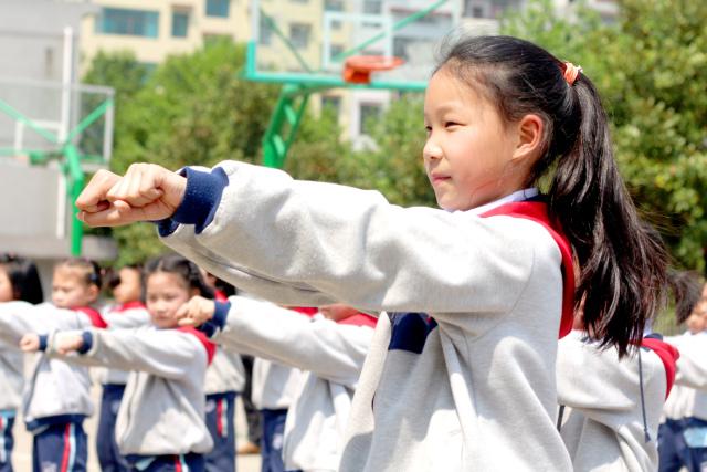 快乐阳光 活力无限 展辉小学部一年级大课间比赛精彩回眸