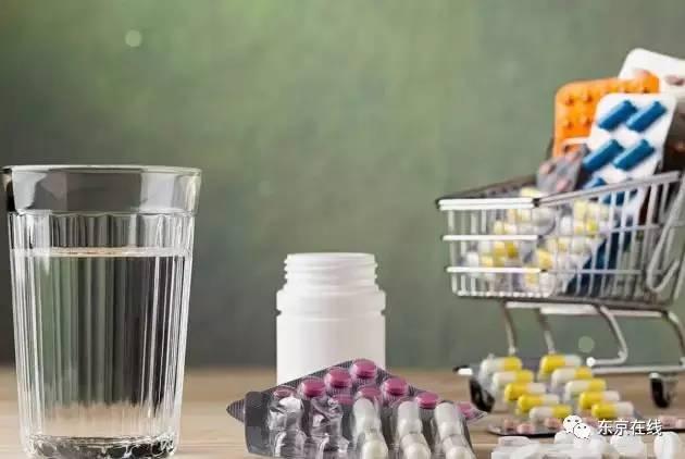 废瓶子手工制作图片科技