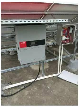 电气接地系统包括:组件边框接地