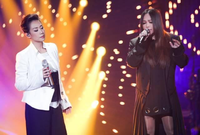 """笑喷了!岳云鹏《歌手》决赛帮唱李健,你是来说相声的"""""""