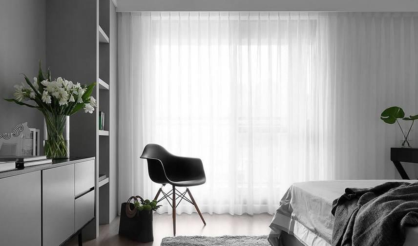浅灰色木地板客厅装修效果图-木地板颜色选的不对 装修再贵也是白费图片