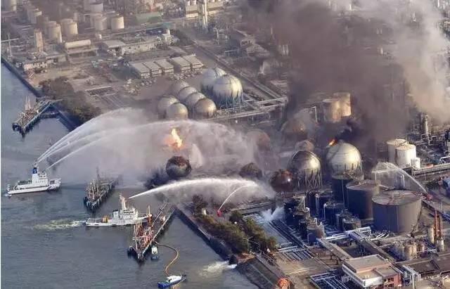 对土地海洋环境造成超巨大的污染.