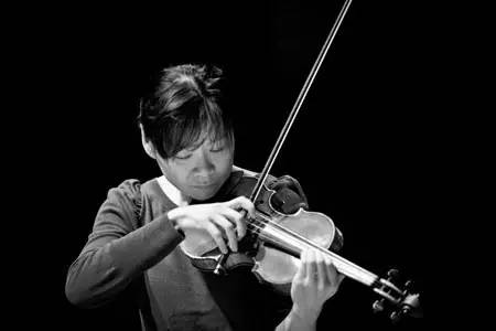 中国小提琴家黄滨演奏《流浪者之歌》,巴赫《前奏曲》图片
