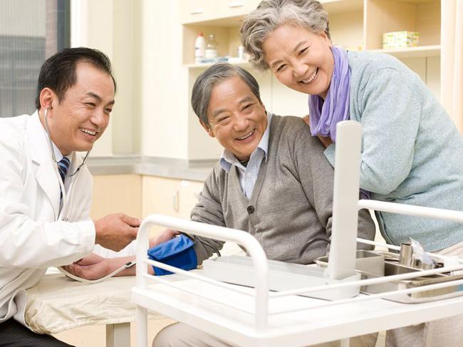 国家卫健委:全国90%以上养老院提供不同形式医疗服务