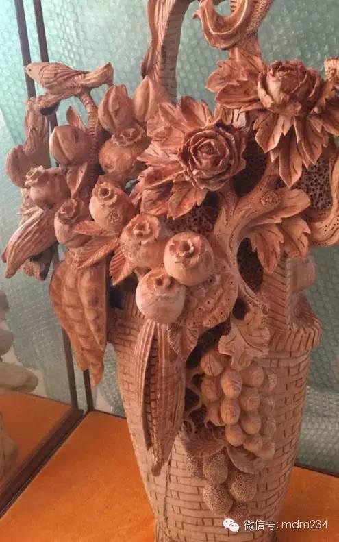 木雕花篮摆件,绝对无人抗拒它的美!