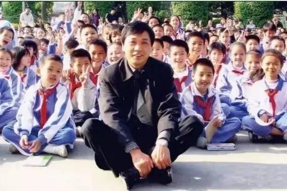 曹文轩:我们该让孩子怎么样阅读 - 智羊羊 - 502翠竹班