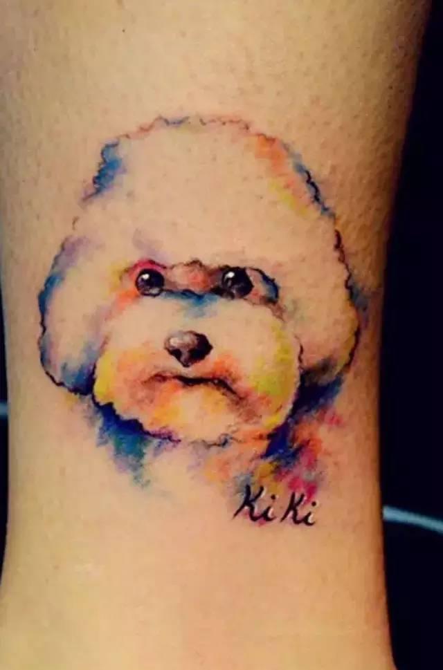泰国一位小哥 分手后把前女友纹身改成了狗图片
