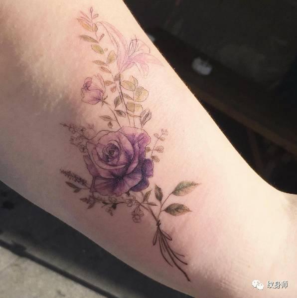 纹身师 美女专属高雅小清新纹身图片