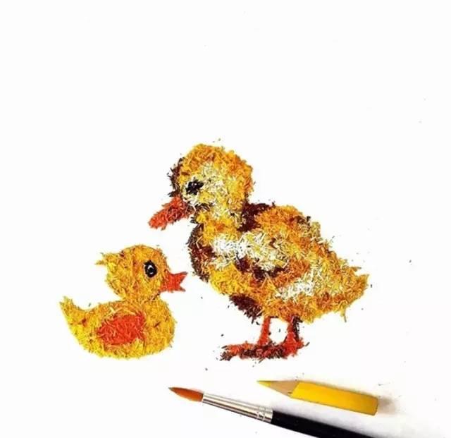 笔屑创意画_彩铅铅笔的屑也可以作画,试试你的笔屑画吧