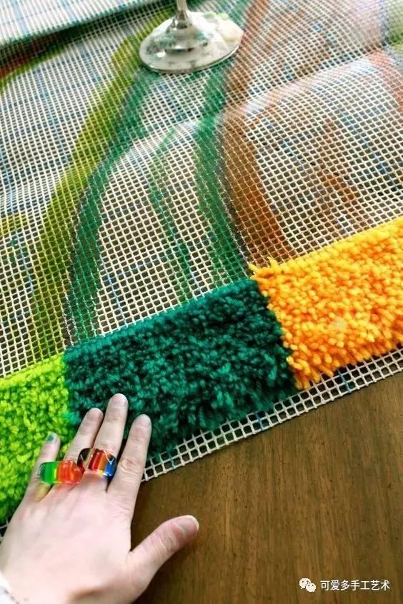 来看一下高清绣的制作教程velvetred+电脑地毯桌面壁纸图片