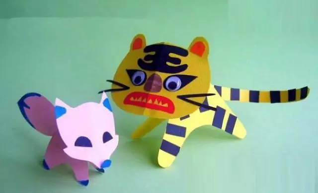 幼儿园卡纸幼儿创意手工制作 一,卡纸手工(动物类) 一,可爱的小狗钟表