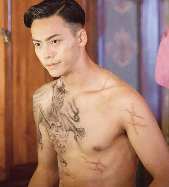 电视剧《老九门》热播陈伟霆饰演的张大佛爷穷奇纹身全貌首曝光人设狂