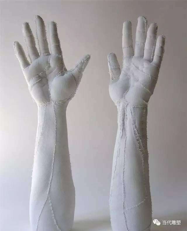 棉布双手雕塑