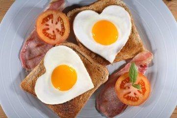 老年人多吃鸡蛋好吗