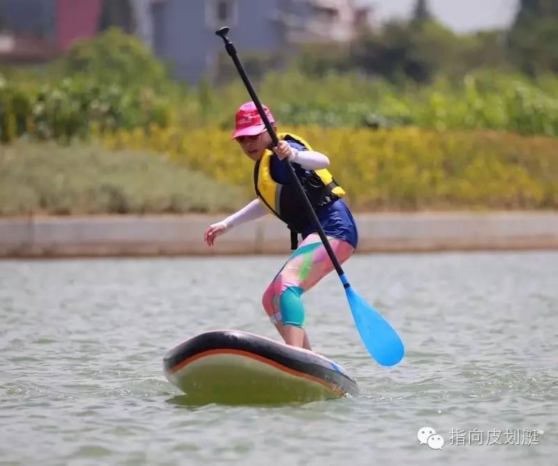 (相扑为往期皮划艇运动,本次活动为sup)水面连成一串,跳脱在图片.段位活动桨板图片