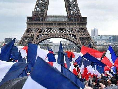 法国大选进入冲刺阶段,黄金原油现货铜操作建议