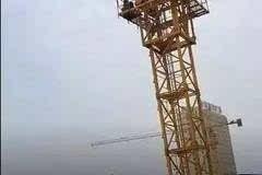 下面本文就对塔吊液压顶升使用中常出现应当特别注意的问题,进行具体图片