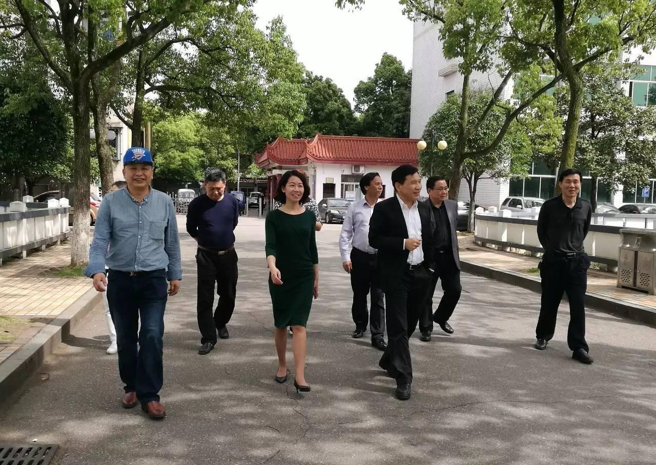 教育局_【领导关怀】市教育局党委书记吴安浩来我校视察