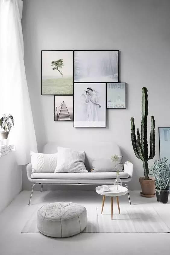 ▲纯白色系与空间搭配融为一体,亚麻质感和针织花纹将沙发区分开图片