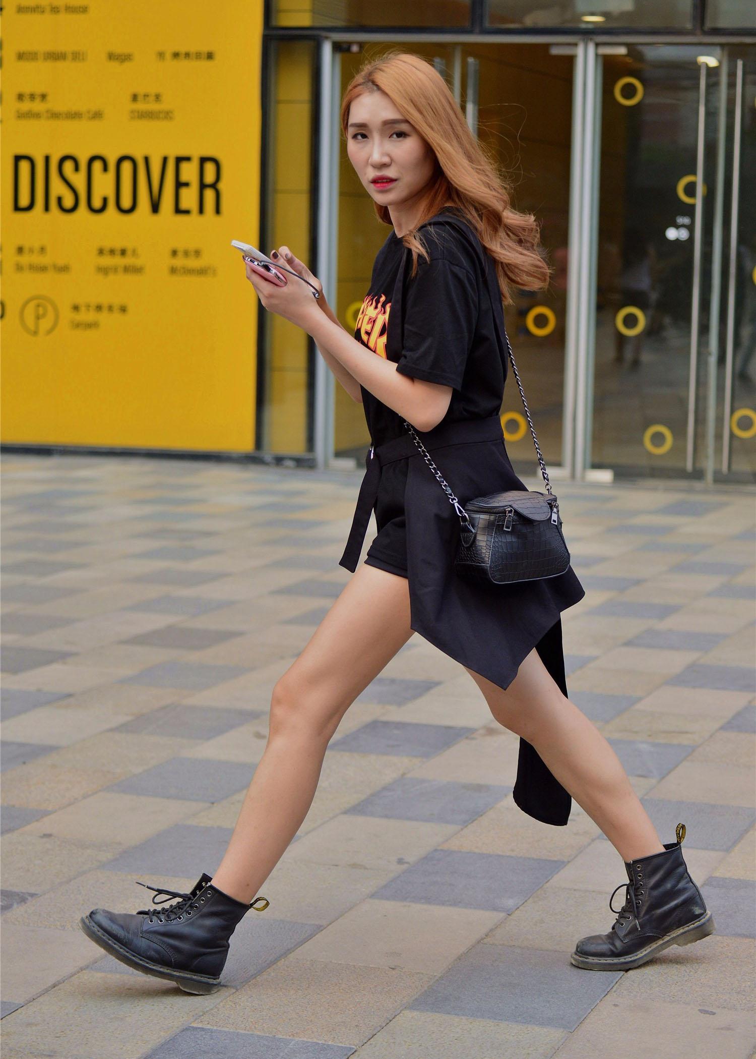 图片源于网络仅供交流时尚潮流趋势、服装搭配经典推荐、美妆美发鉴图片