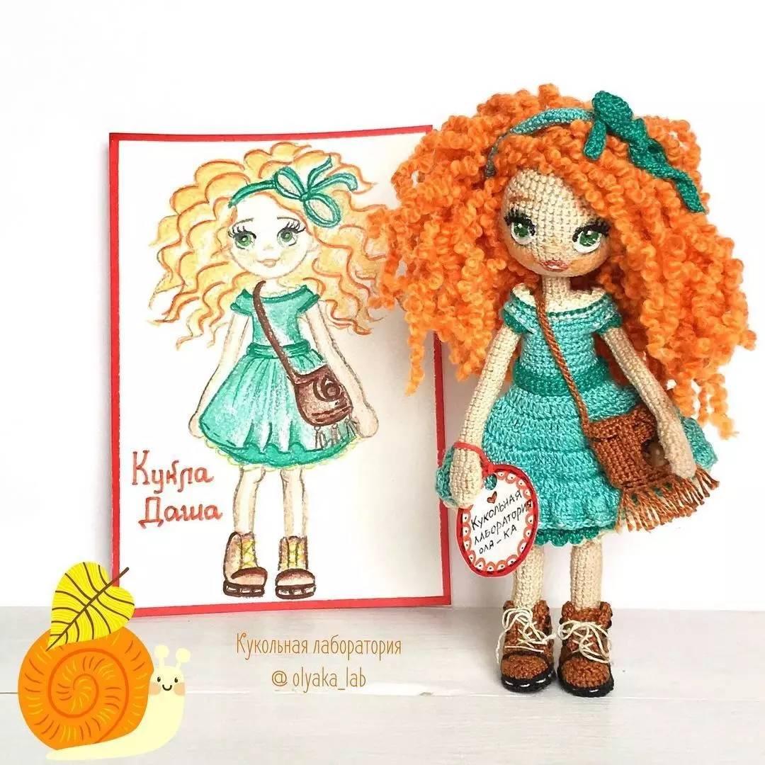 美女插画师把画的小人用毛线钩成了玩偶,原来彩铅还能这么玩 太赞了