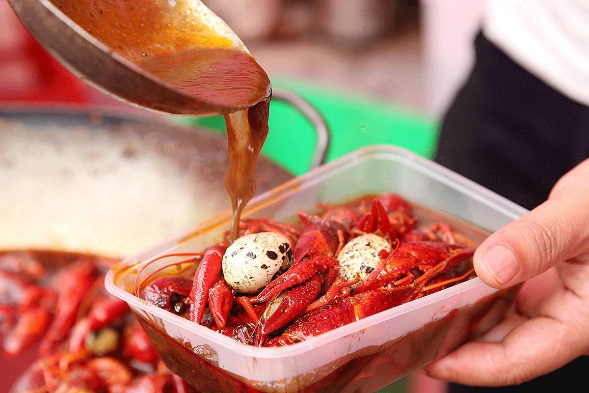 上饶吃货界大事件!万力时代广场第二届上饶美食节4月28日火热来袭!中国字体好看的美食图片