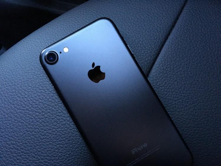 终于,苹果也开始仰望星空了,这里有一些证据