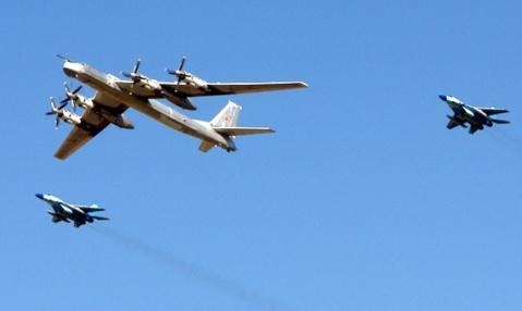 起飞190吨载弹25吨航程1.5万公里现役数量世界第一 - hnhyljj - 羅傑軍      博客