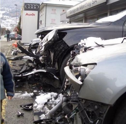 新手女司机试驾奥迪 撞毁21辆新车