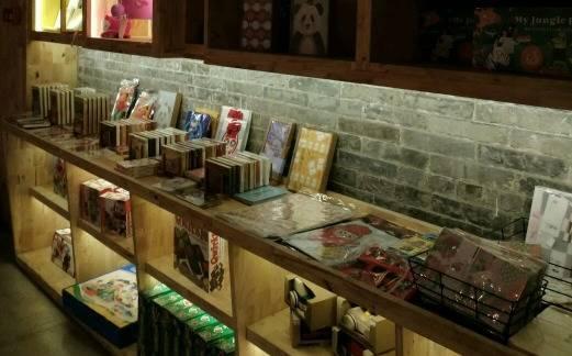 来了就不想走的书店,能吃能喝,还让你在朋友圈完美装逼